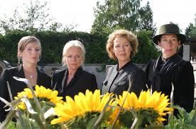 4 donne e un funerale - parricidio