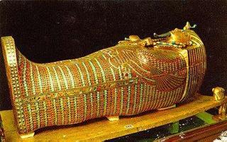 Freedom - oltre il confine Al Cairo per vedere il tesoro di Tutankhamon 2019x00